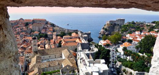 Dubrovnik bei einer Adria-Kreuzfahrt entdecken. Foto: Peter Heinrich / pixelio.de