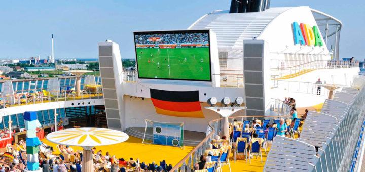 Public Viewing auf AIDA Kreuzfahrt. Foto: AIDA Cruises