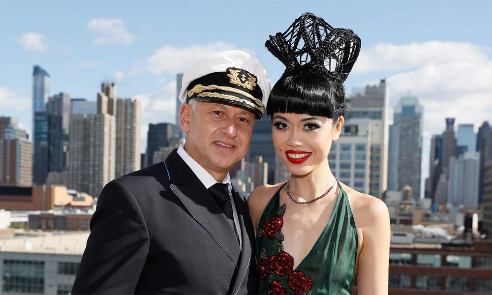 AIDA Kapitän Thomas Mey und Jessica Minh Anh in New York