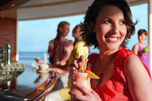 Cocktail in der AIDA Ocean Bar. Foto: AIDA Cruises