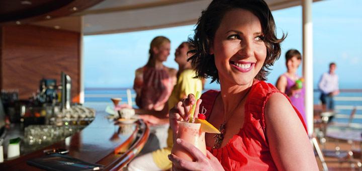 Cocktail in der AIDA Ocean Bar. Foto: AIDA Cruises