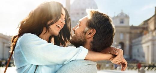 Glückliches Paar auf AIDA. Foto: AIDA Cruises