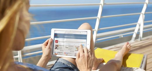 Aktuelle Zeitungen und Zeitschriften an Bord von AIDA. Foto: AIDA Cruises