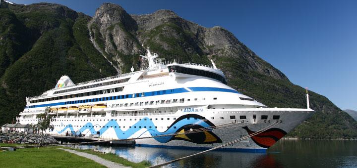 AIDAaura im Eidfjord, Norwegen. Foto: AIDA Cruises