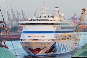 AIDAaura auf Kreuzfahrt in Hamburg. Foto: AIDA Cruises