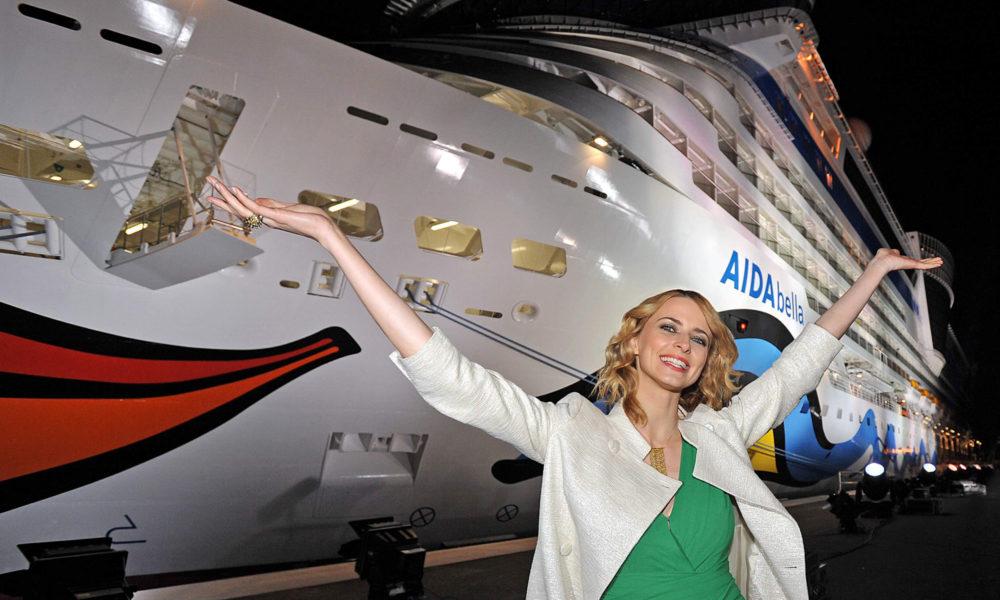 AIDAbella Taufe mit Eva Padberg
