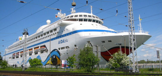 AIDAblu in Warnemünde