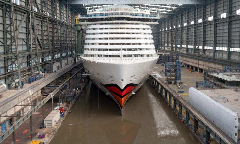 AIDAcosma im Baudock der Meyer Werft