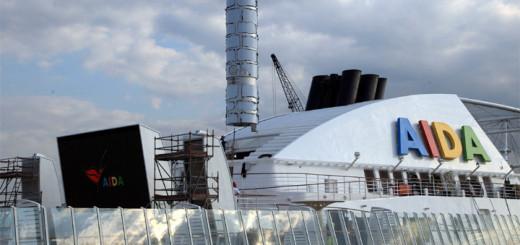 AIDAmar erhielt auf der Werft in Neapel zwei Scrubber zur Abgasnachbehandlung. Foto: AIDA Cruises