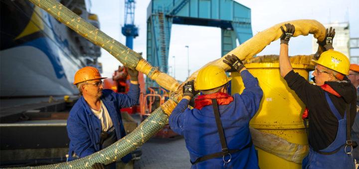 AIDAnova Überführung: Leinen Los! Foto: Meyer Werft