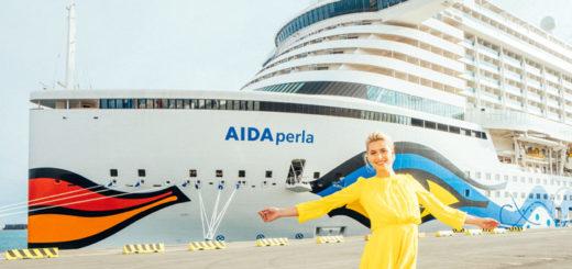 Taufpatin Lena Gercke vor AIDAperla. Foto: Felix Gänsicke / AIDA Cruises