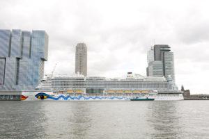 AIDAprima in Rotterdam. Foto: Mister & Misses Do / Kreuzfahrtpiraten
