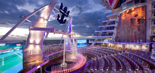 Aqua Theater auf der Allure of the Seas. Foto: Royal Caribbean International