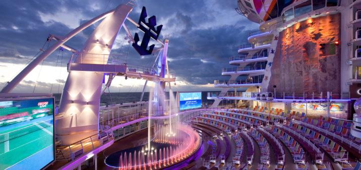 Aqua Theater auf der Allure of the Seas. Foto: Royal Caribbean International