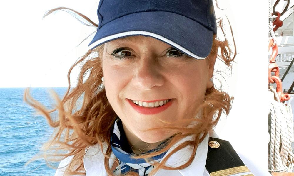 Kathrin Völkel, Kreuzfahrtdirektorin der Astor