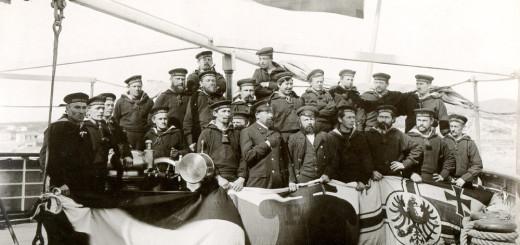 Deckmannschaft der Augusta Victoria, 1891. Foto: Hapag-Lloyd AG
