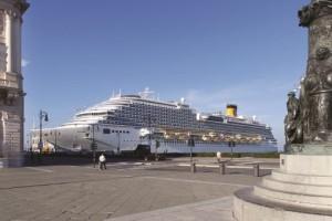 Costa Diadema im Hafen. Foto: Costa Kreuzfahrten
