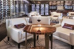 Wein und Käse Lounge der neoRomantica. Foto: Costa Crociere
