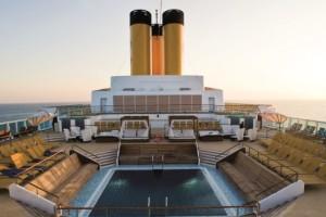 Costa neoRomantica Pool auf dem Sonnendeck. Foto: Costa Crociere