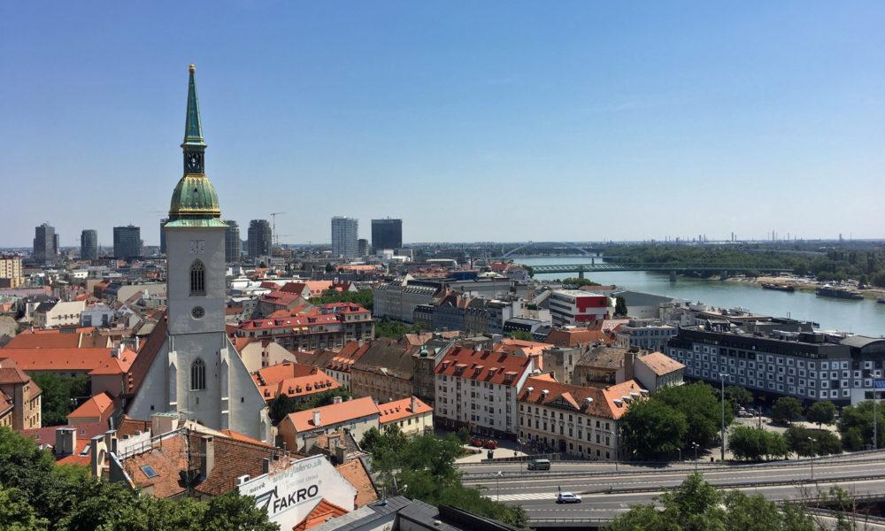 Bratislava bei einer Donau-Flusskreuzfahrt