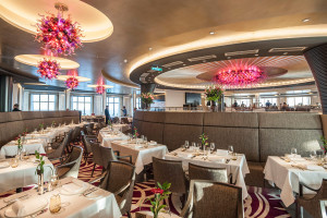 Restaurant Weltmeere auf EUROPA 2. Foto: Hapag-Lloyd Cruises