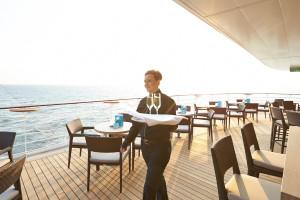 Sansibar-Terasse auf EUROPA 2. Foto: Hapag-Lloyd Cruises