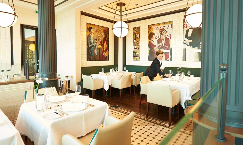 Restaurant Tarragon auf der EUROPA 2. Foto: Hapag-Lloyd Cruises