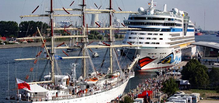AIDA zur Hanse Sail in Warnemünde. Martin Schuster / Kreuzfahrtpiraten