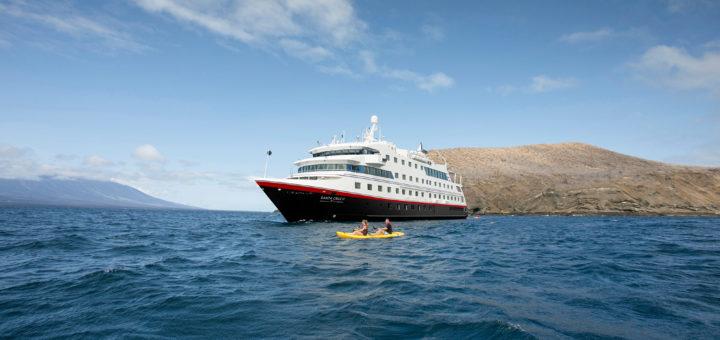 Santa Cruz II von Hurtigruten Expeditions
