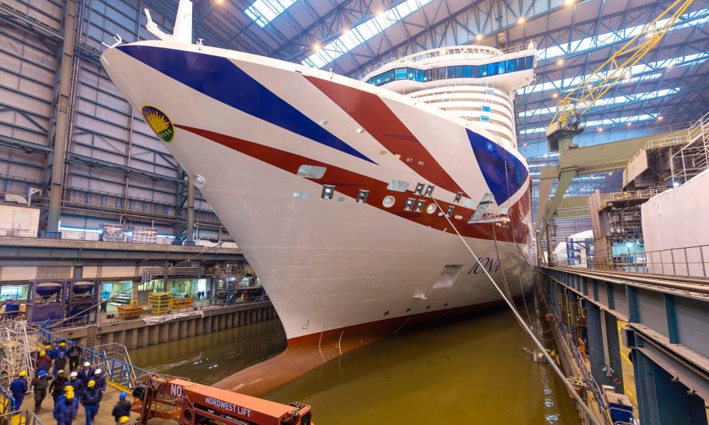Iona auf der Meyer Werft in Papenburg