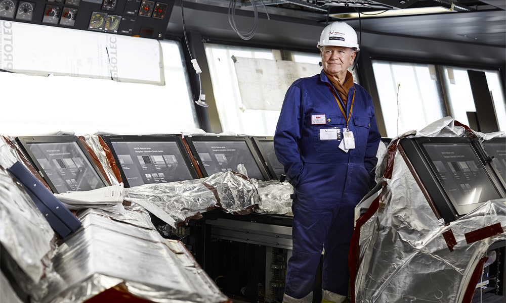 Kjell Holm in der Werft