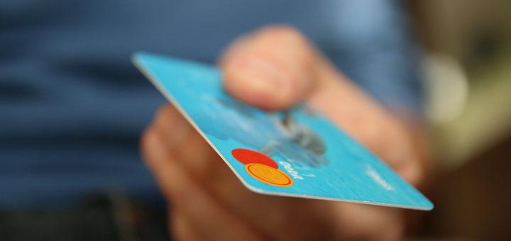 Kostenlose Kreditkarte: Weltweit gebührenfrei Geld
