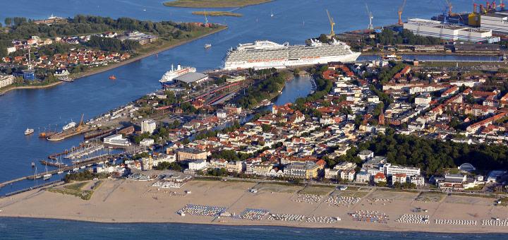 Kreuzfahrtschiffe Warnemünde. Foto: Manfred Sander