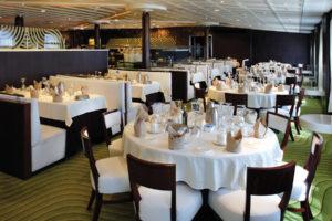 Restaurant auf der MS Magellan. Foto: TransOcean Kreuzfahrten
