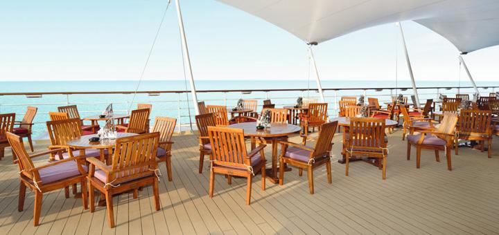 Außenalster-Bar auf Mein Schiff 2. Foto: TUI Cruises