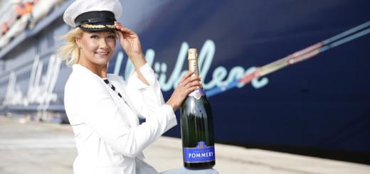 Franziska van Almsick, Taufpatin der Mein Schiff 4. Foto: TUI Cruises
