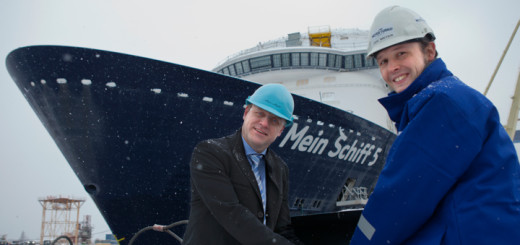 Mein Schiff 5 beim Aufschimmen in Turku. Foto: TUI Cruises