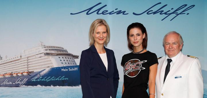 Wybcke Meier, Lena Meyer-Landrut und Kapitän Kjell Holm vor der Mein Schiff 5 Taufe. Foto: Franziska Krug / TUI Cruises
