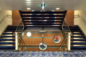 Mein Schiff 5 Treppenaufgang auf Deck 8