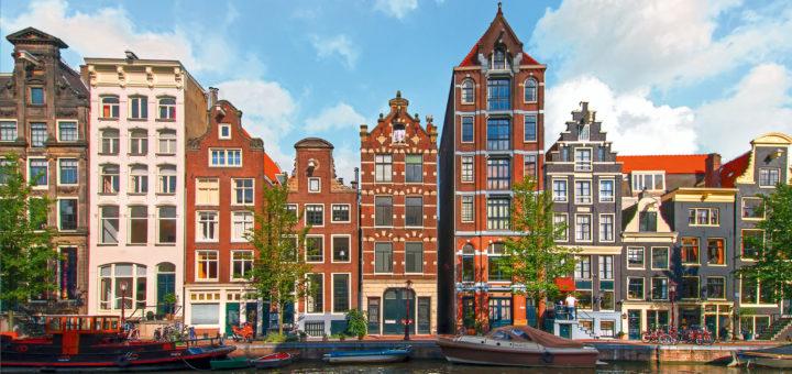 Mein Schiff in Amsterdam. Foto: TUI Cruises