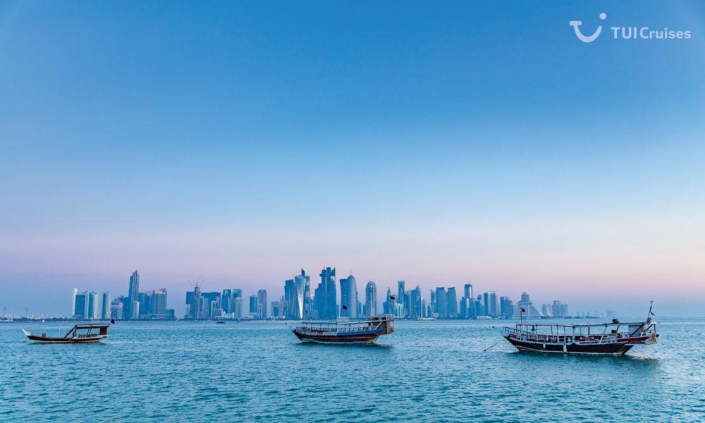 Mein Schiff in Doha. Foto: TUI Cruises