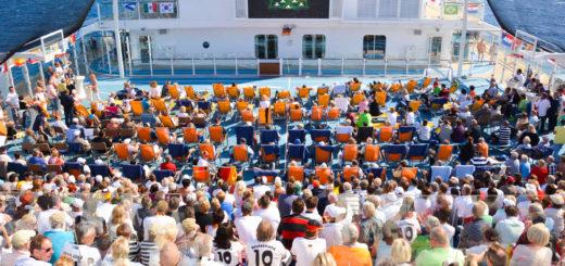 Public Viewing auf Mein Schiff. Foto: TUI Cruises