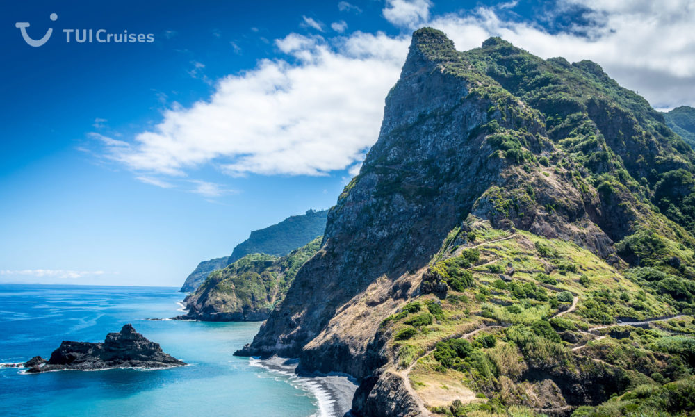 Mein Schiff auf Madeira. Foto: TUI Cruises