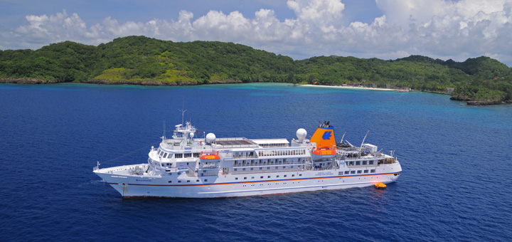MS BREMEN in Mikronesien. Foto: Hapag-Lloyd Kreuzfahrten