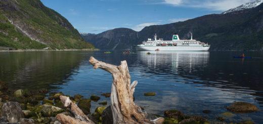 MS Deutschland im Nordland. Foto: Phoenix Reisen