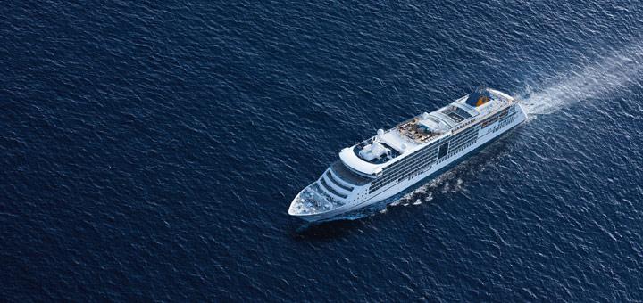 EUROPA 2 auf See. Foto: Hapag-Lloyd Cruises