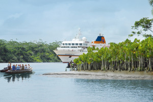 MS HANSEATIC auf dem Amazonas. Foto: Hapag-Lloyd Cruises