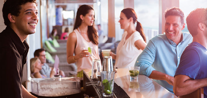 Bar-Lifestyle bei Norwegian. Foto: Norwegian Cruise Line