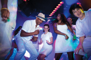 Party bei Norwegian. Foto: Norwegian Cruise Line