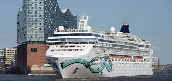 Norwegian Jade in Hamburg. Foto: Lenthe